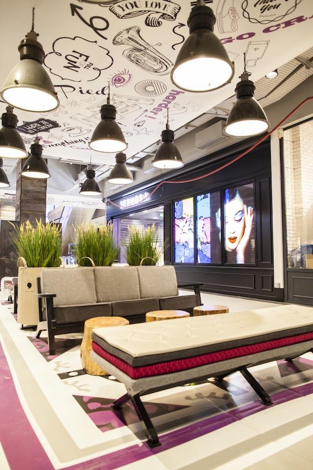 25/11/2016 - France / ParisEspace détente situé dans le Centre commercial VILL'UP situé à la Villette dans le 19e arrondissement de Paris.