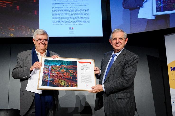 Jacques Mézard remet le Grand Prix de l'urbanisme 2017 à Pierre Veltz