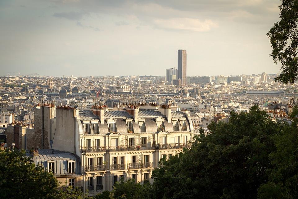 La Métropole du Grand Paris et six fédérations s'engagent en faveur du « logement d'abord »